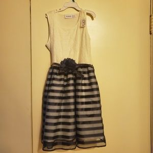 Young Girls Summer Dress Size:10/12